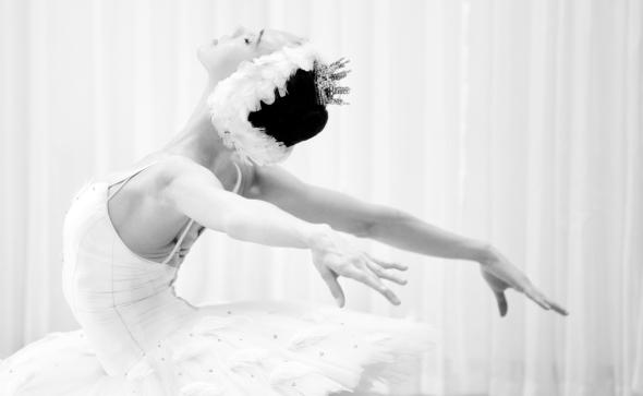 Viktorina Kapitonova Photoshoot with Maria Helena Buckley in Paris Ballet Zurich Opernhaus