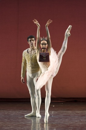 Viktorina Kapitonova Grand Pas by Christian Spuck Roberto Bolle & Friends