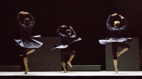 Sonett by Ballett Zürich Wayne McGregor Christian Spuck Supported by Swiss Arts Council Pro Helvetia and Stanley Thomas Johnson Foundation Ballett Zürich, one of Europe's leading ensembles, presents a captivating double bill featuring works by their artistic director Christian Spuck and multi-award-winning British choreographer Wayne McGregor. McGregor's new work Kairos is a seamless marriage of design and structure set to Max Richter's celebrated reimagining of Vivaldi's The Four Seasons and features striking designs by leading British artist Idris Khan. In Sonett Ballett Zürich's Artistic Director Christian Spuck plunges into the mysterious world of William Shakespeare's late sonnets weaving together music, dance and language with his customary theatrical flair and passion. The Edinburgh International Festival, Edinburgh, Scotland. UK xx/08/2015 © COPYRIGHT PHOTO BY MURDO MACLEOD All Rights Reserved Tel + 44 131 669 9659 Mobile +44 7831 504 531 Email: m@murdophoto.com STANDARD TERMS AND CONDITIONS APPLY (press button below or see details at http://www.murdophoto.com/T%26Cs.html No syndication, no redistribution, Murdo Macleods repro fees apply. Commed