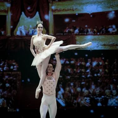 Jack Devant Viktorina Kapitonova Spuck Grand Pas-114
