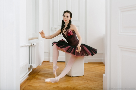 Viktorina Kapitonova as Olimpia in Christian Spuck's Der Sandmann Ballet